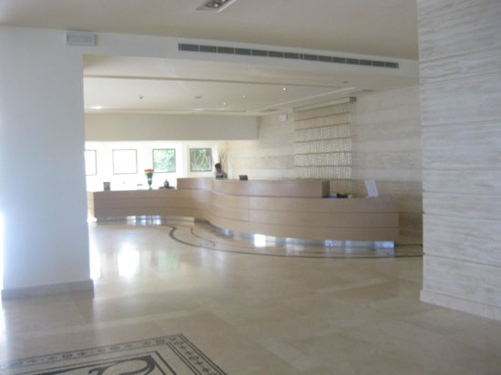 Sentido Ixian Grand: Reception area/ Front desk