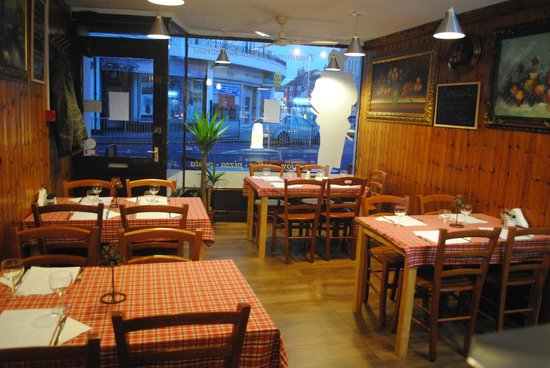 Worthing, UK: Trattoria Vesuvio