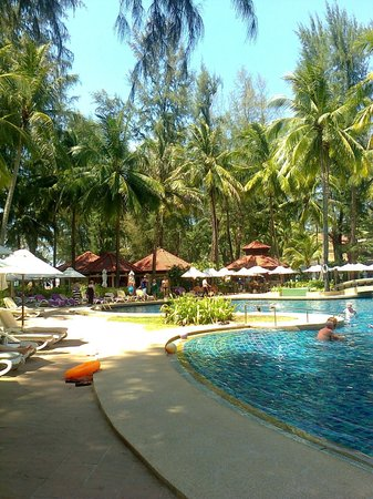 Dusit Thani Laguna Phuket: west side of the pool area