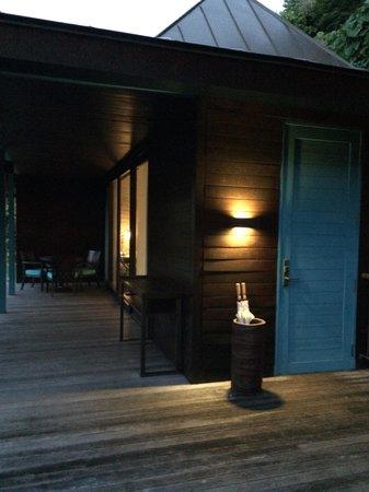 Four Seasons Resort Seychelles: お部屋の入り口