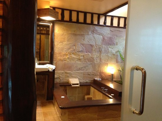 Parama Koh Chang Resort: Bathroom sanctuary