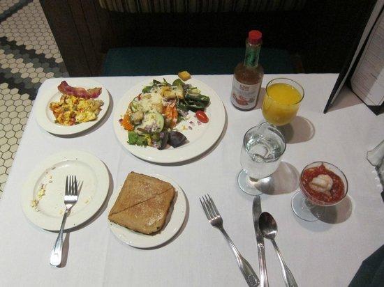 Crowne Plaza Hotel Nashua: Breakfast