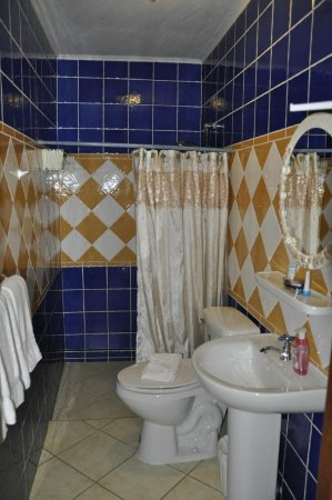 Aruba Sunset Beach Studios: Bathroom