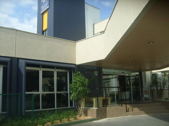 Hotel Le Canard Joinville: Fachada