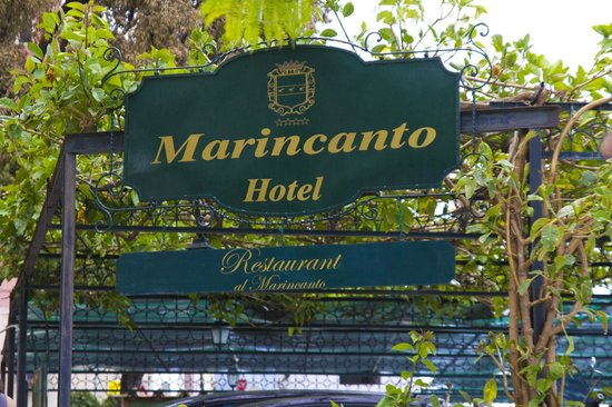 Hotel Maricanto: Hotel sign