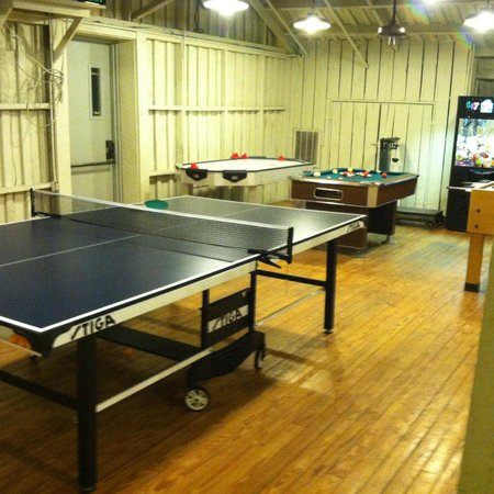Mountain Lake Lodge: Game Room In Marys Barn Up In The Loft Ping Pong,