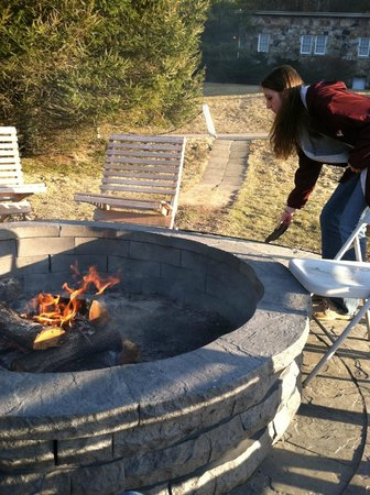 Mountain Lake Lodge: fire pit