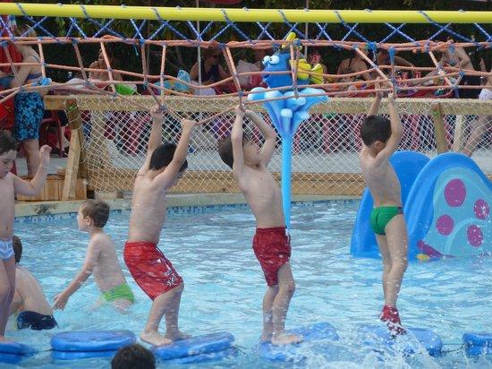 Foto de piscina parque de benicalap valencia pista de for Piscina parque benicalap