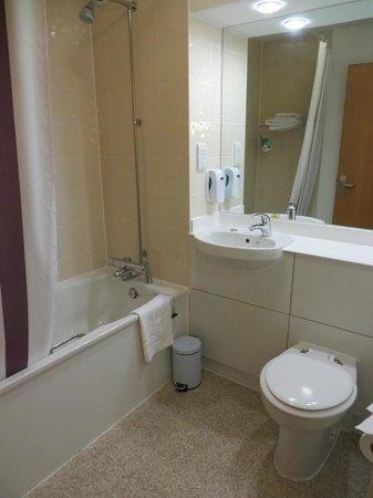Premier Inn London Heathrow Airport (Bath Road) Hotel: bath