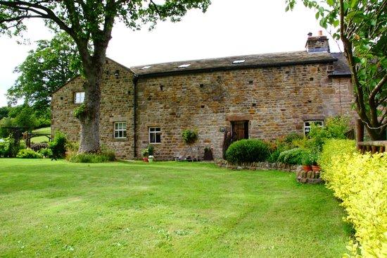 Dam Head Barn: 400 year old Grade11 listed barn