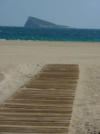 Playa de Poniente: Bet it's not as quiet as this in the summer!