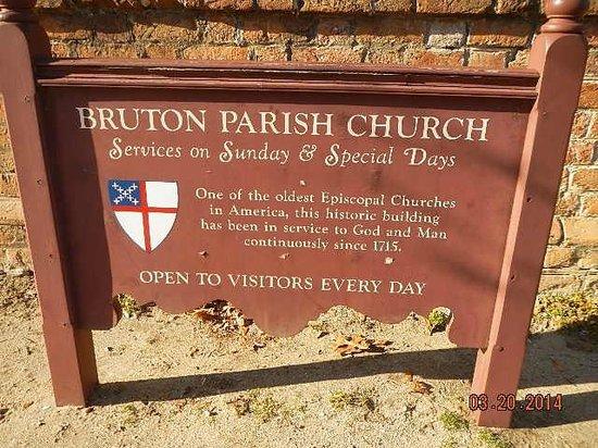Colonial Williamsburg : 1715 Bruton Parish Church