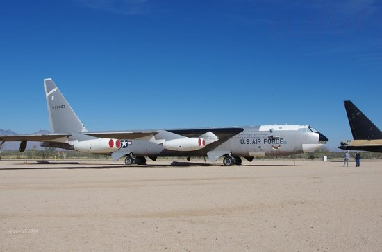 Pima Air & Space Museum : 52-0003 Boeing B-52