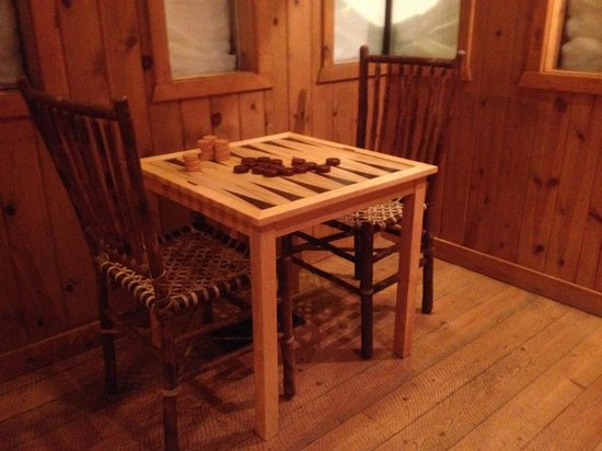 Brooks Lake Lodge and Spa : Games Table