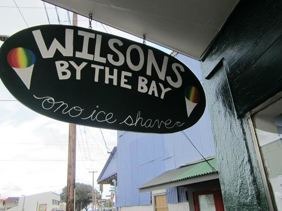 Wilson's by the Bay: sign on Mamo street
