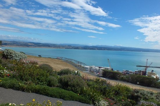 Absolute de Tours: Hawkes Bay from the Bluff