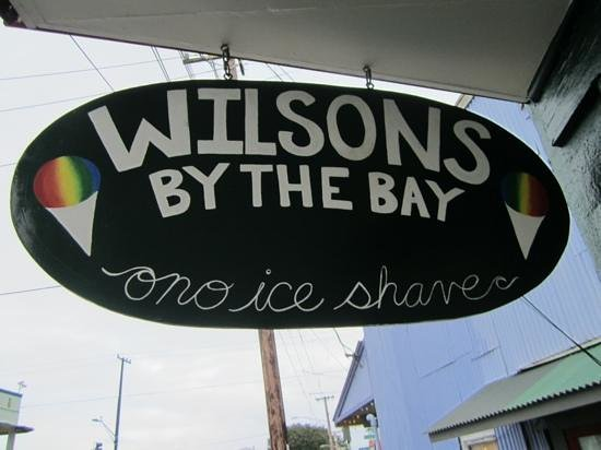 Wilson's by the Bay: wilsons sign