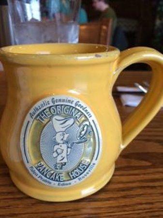 Original Pancake House: The cutest coffe cups!!
