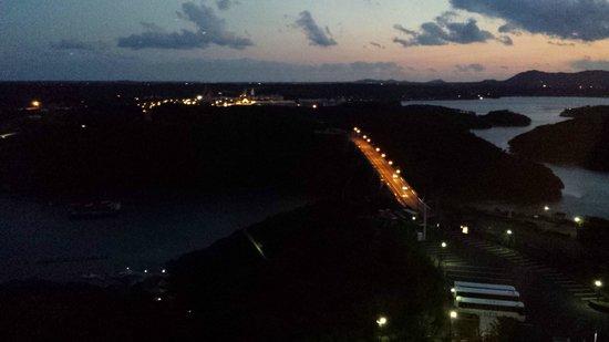 Iseshima Royal Hotel: 夕闇迫る英虞湾の眺望