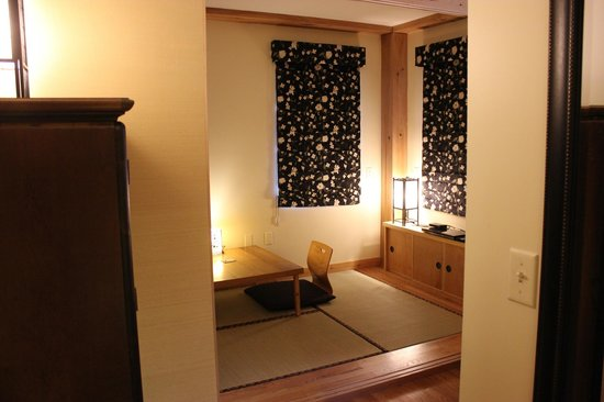 Berkshires Shirakaba Guest House: Take No Ma Suite - Garden Room set up as sitting room