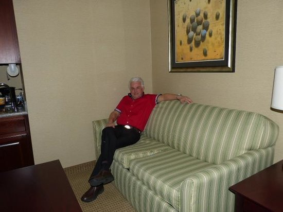 Holiday Inn Express Hotel & Suites Cincinnati: Chilling out in my Suite