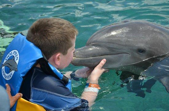"Chankanaab Beach Adventure Park: Kissing ""Chuck"" the dolphin"