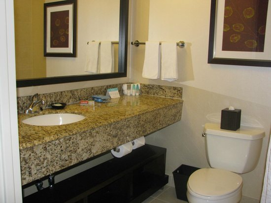 Hyatt Regency Orange County : Baño dormitorio 1