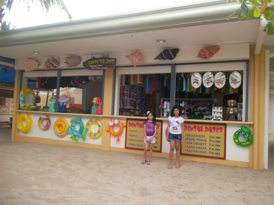 Paradise Island Park & Beach Resort: Souvenir Shop