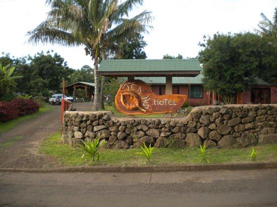Tea Nui - Cabanas y Habitaciones: ingreso al hotel
