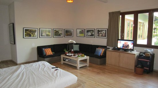 The Dipan Resort Petitenget : our room from from one angle.