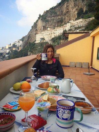 Il Porticciolo di Amalfi: Breakfast