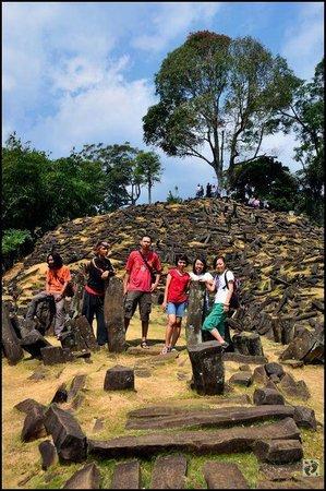 Gunung Padang Megalithic Site: Situs Megalitikum Gunung Padang
