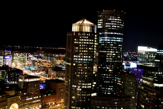 Marriott Vacation Club Pulse at Custom House, Boston: Nightscape from the Observation Deck of The Custom House