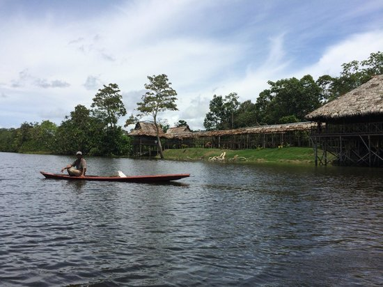 Maniti Expeditions Eco-Lodge: Canoe to the lodge