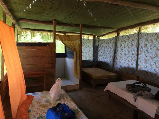 Maniti Expeditions Eco-Lodge: Room
