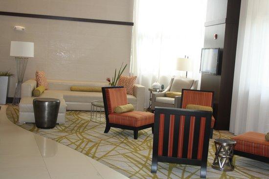 Comfort Suites Miami Airport North: Hall hotel