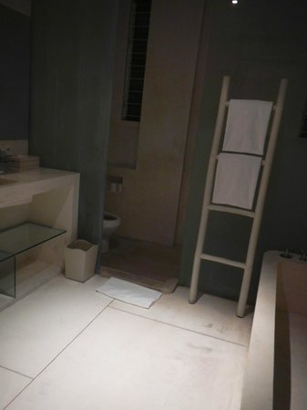 Eden - The Residence at the Sea : Bathroom on the 3rd Floor