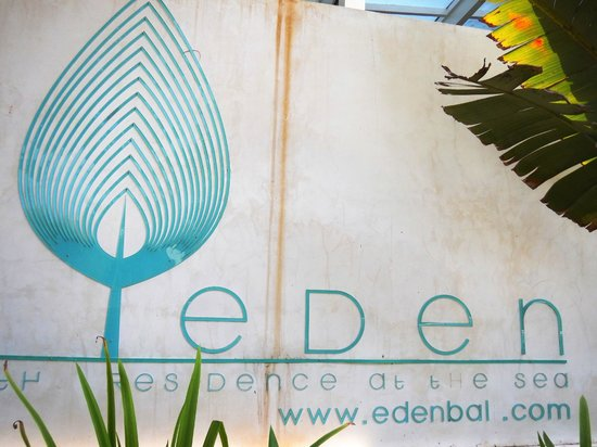 Eden - The Residence at the Sea : Front Entrance
