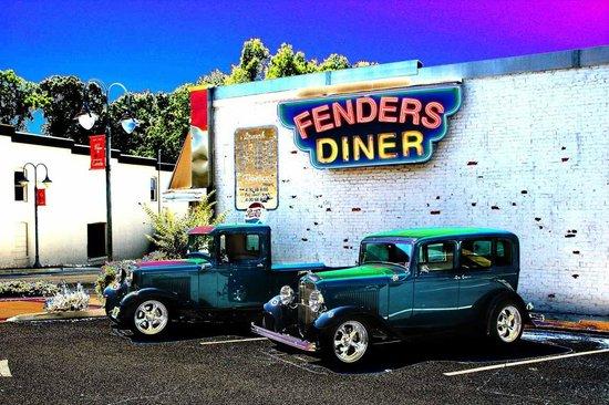 Fenders Diner: Fenders car show