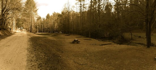 Enota Mountain Retreat : Wide view of the adult campsite.