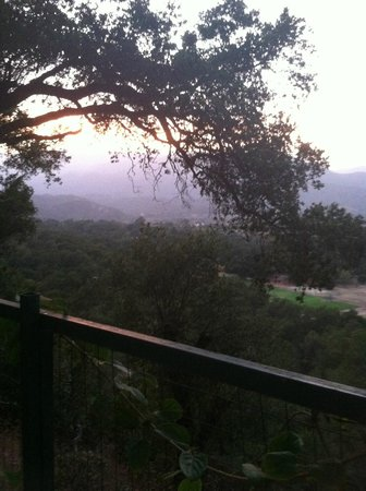 Ojai Retreat: Overlooking Ojai
