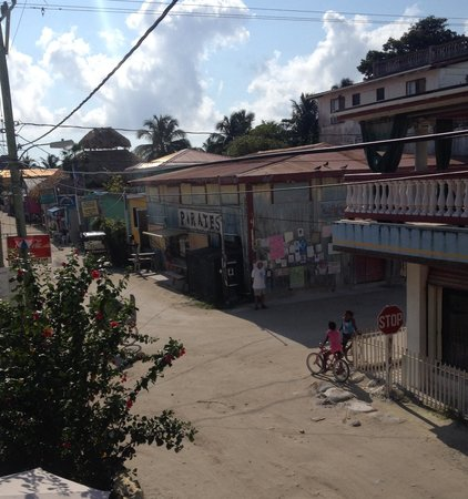 Caye Caulker Plaza Hotel: View from the balcony