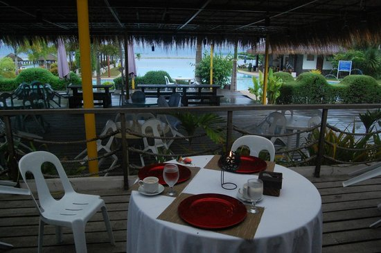 Secdea Beach Resort: before breakfast is served