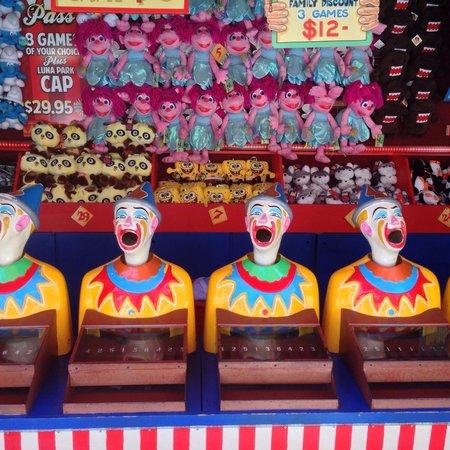 Luna Park Sydney: Wild looking clown game