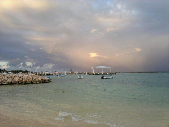 AlSol Luxury Village: Atardecer en la playa... mi momento preferido!