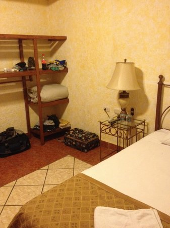 Mayaland Plaza Hotel: Our room