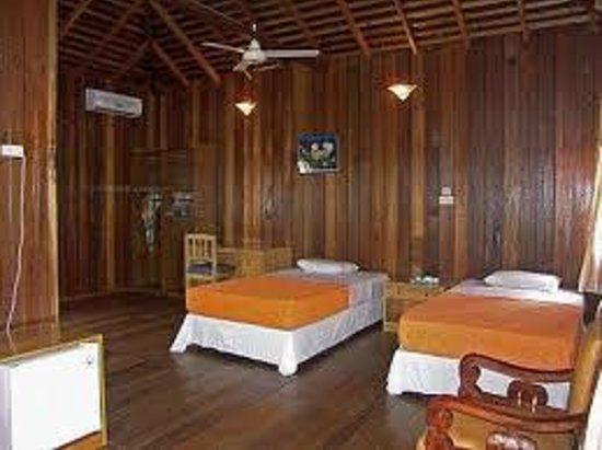 Maratua Paradise Resort: lovely bed room