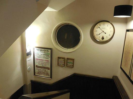 Mito Casa Hotel: Área entre os andares