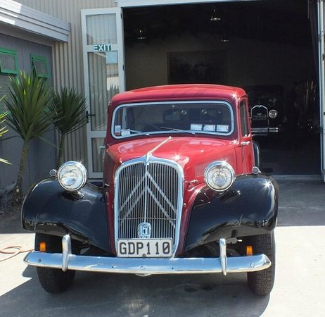 Hooters Vintage and Classic Vehicle Hire Ltd: 1953 Citroen