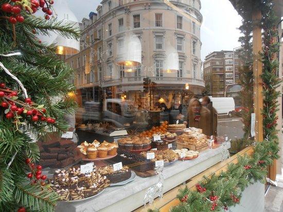 Acacia Hotel: local Cafe/Restaurant, Muriel's Kitchen